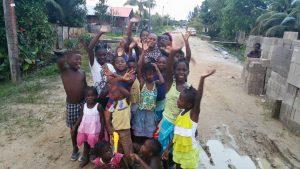 urmilla met kids